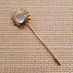 Vintage 90s Smithsonian sunburst stick pin